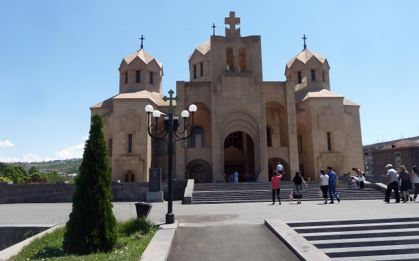 Yerevan cathedral from front 028